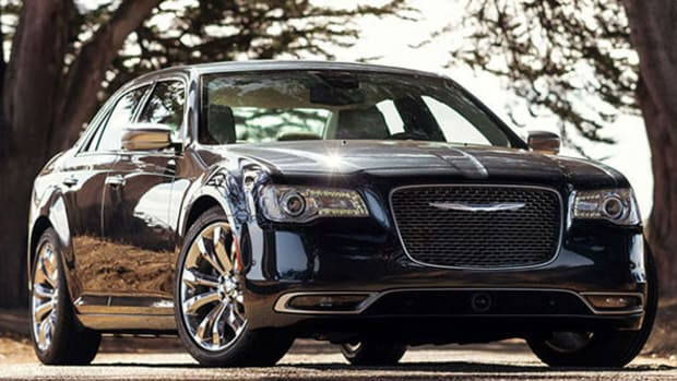 Fiat Chrysler Keeping Chrysler Brand in Japan for Now