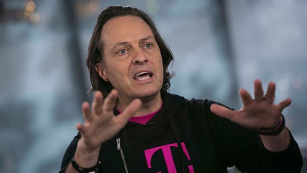 T-Mobile USA's CEO Slams Verizon as Wireless Carrier Tops Earnings Expectations