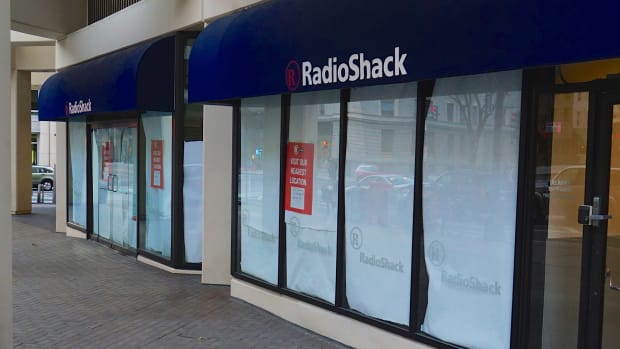 RadioShack Successor Blames Sprint's Weak Sales for Its Own Bankruptcy