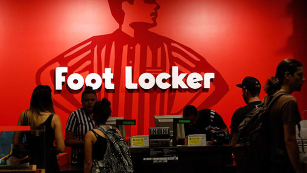 Amazon Won't Destroy Foot Locker, Hints Top Analyst