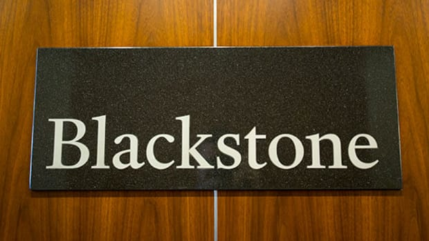 Is Blackstone's Juicy 9.5% Dividend Yield Worth the Risk?