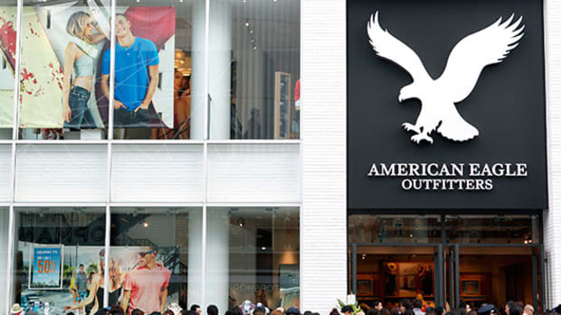 American Eagle Outfitters (AEO) Stock Drops on Weak Q4 Revenue