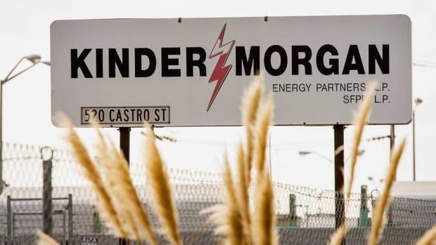 Kinder Morgan Dividend Cut Means Investors Should Sell Now: Dan Dicker