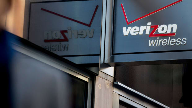 Verizon Meets Earnings Estimates as Sales of $31.7B Top Forecasts