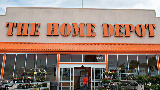 Home Depot Just Blew It Out of the Water While the Rest of Retail Keeps Falling Apart