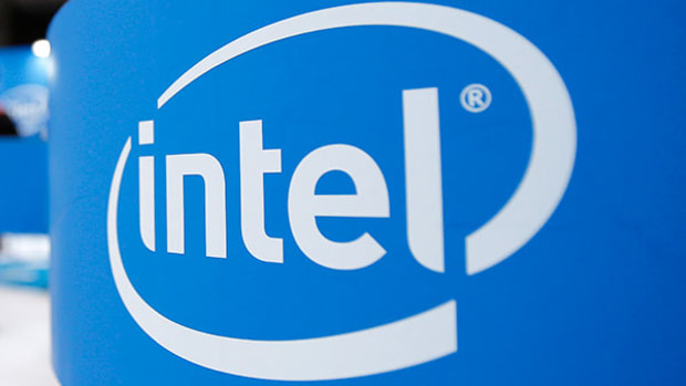 Intel's Head and Shoulders Top Projects 9% Downside