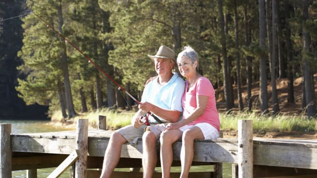 How to Enjoy Retirement Without Going Broke: 6 Tips for Older Americans
