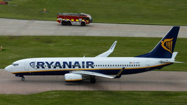 Wizz Air, Ryanair Descend While Passenger Numbers Climb