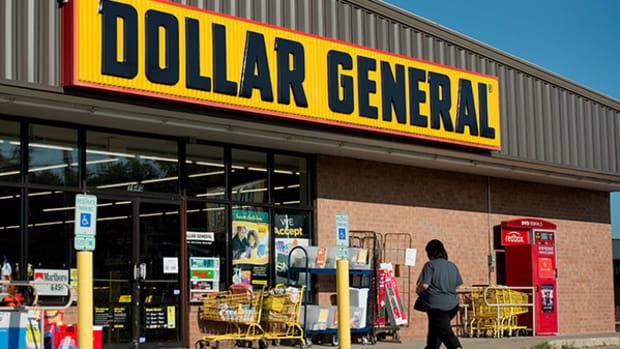 Jim Cramer: Dollar General's Sales Accelerate, Valeant Is Undervalued
