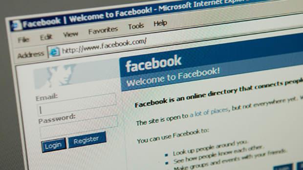 Messenger, Oculus Rift to Drive Facebook's Multiyear Growth Phase