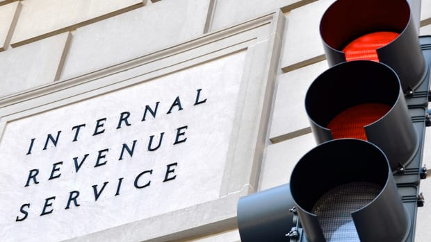 How to Avoid the IRS $3,000 Capital Loss Deduction Rule
