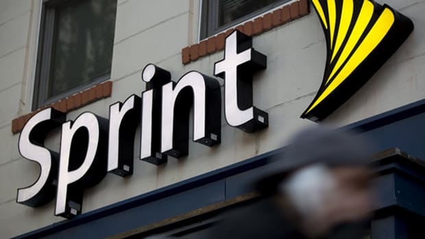 Sprint 'Open to Buying, Merging, Selling,' CEO Claure Says