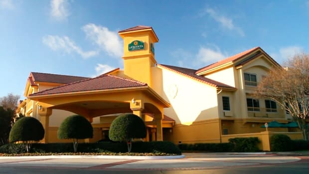 La Quinta is the Hotel Stock to Own for 2015 Amid Lower Gas Prices