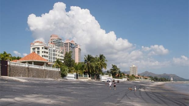 Panamanian Beach Gem Coronado Offers a Great Location, Low Costs for Expats