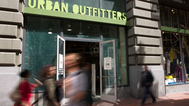 3 Reasons Urban Outfitters Could Crash by 30%