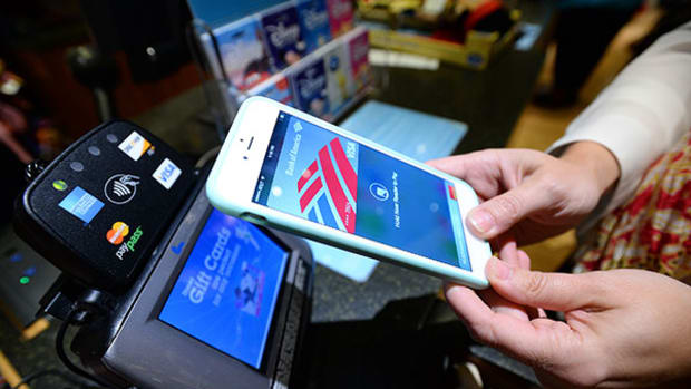 Market's Big Enough for Both Apple Pay and PayPal, Analysts Say