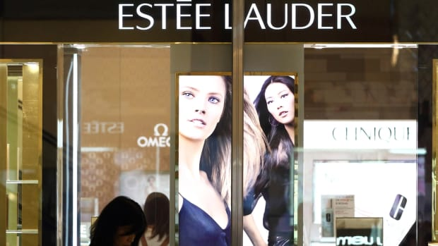Estee Lauder's Future Sales Threatened by Sweeping Macy's Store Closings