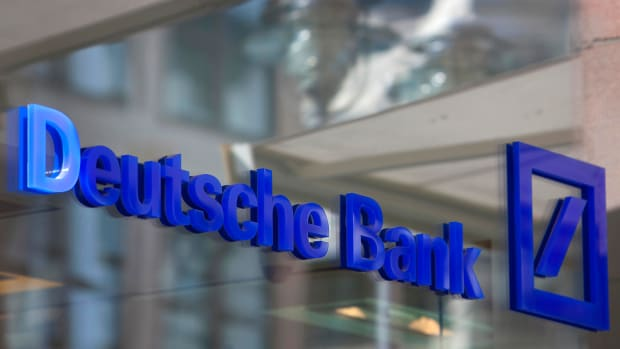 Deutsche Bank Trading Slumps, Investment Banking Revenue Drops