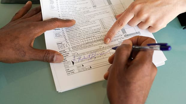 Here Are the Last-Minute Tax Tips That Could Salvage Your 2014 Return