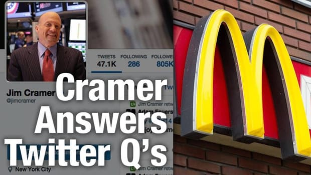 Cramer Worried About Airline Overcapacity, Hints at Surprise McDonald's Piece