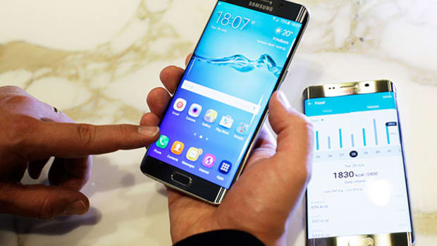 Samsung Galaxy S6 edge + Review: Is Bigger Actually Better?