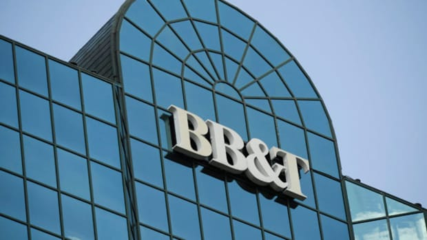 BB&T Posts Record 4Q, Full-Year Profits Buoyed by Higher Fees
