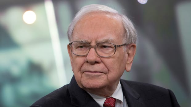 Why Warren Buffett Should Sell His Wells Fargo Stake