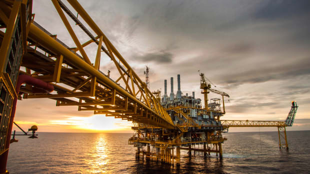 Baker Hughes Rig Count Falls by 15