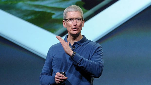 Apple CEO Tim Cook Receives a 15% Pay Cut for 2016
