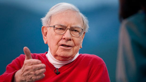 4 Rising Cyclical Stocks That a Young Warren Buffett Would Buy Today