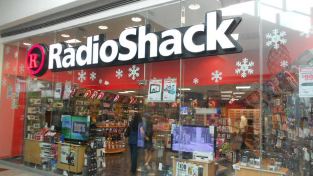 Ahead of January Jobs Report, RadioShack Files for Bankruptcy