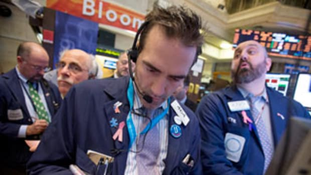 Market's Big Problem Now Is 2015 Earnings Outlook: S&P Analyst