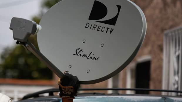 FCC Chairman Recommends Approval of AT&T-DirecTV Deal
