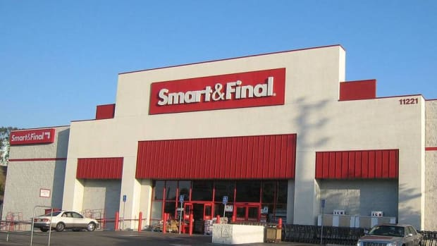 Grocery Chain Smart & Final Looks to Expand in Competitive Market