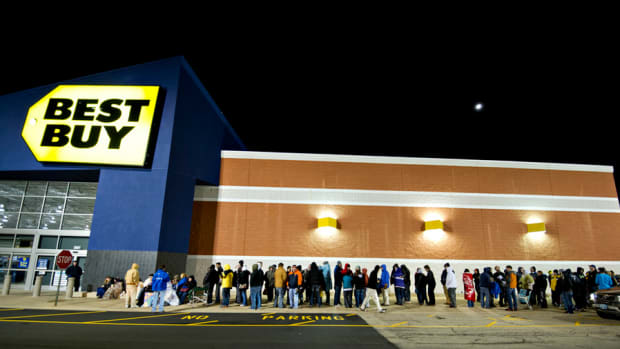 Best Buy Bombs, Blackberry's Bummer, Markets See-Saw on Global News