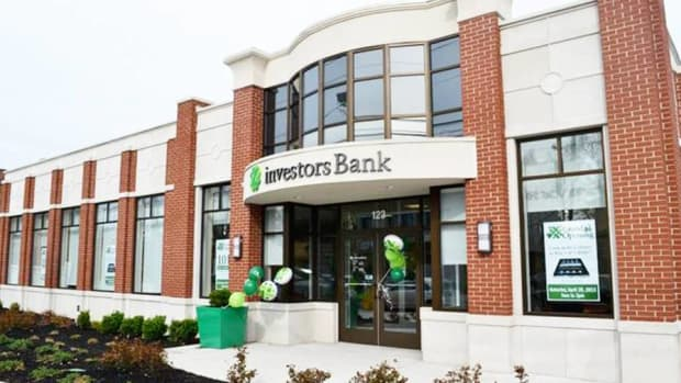 Investors Bank CEO Says Consumers Can Weather Rising Rates