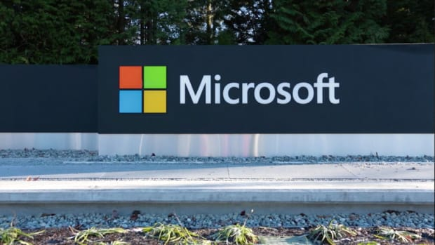 Microsoft Lines Up Earnings, Jim Cramer's Long View on Twitter