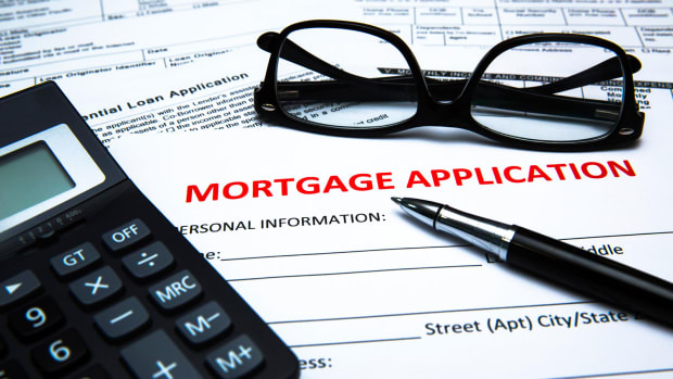 Mortgage Application Volumes Decrease 7.3%