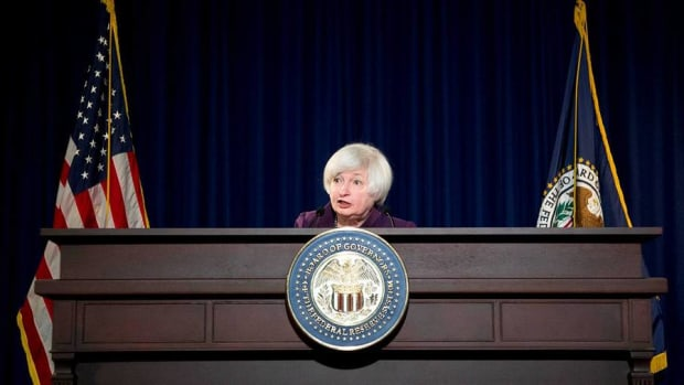 Fed Chair Yellen Says December Rate Hike Is a 'Live Possibility'