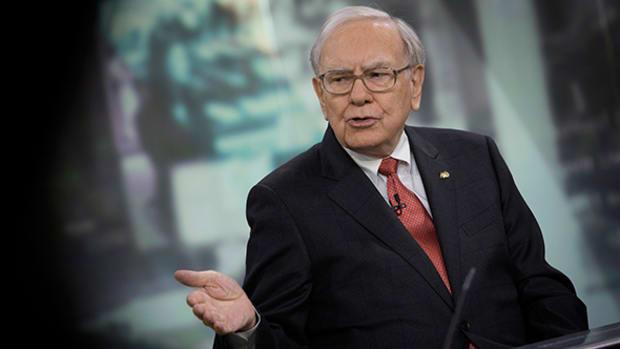 Warren Buffett Not Threatened by $28 Billion Insurance Megadeal