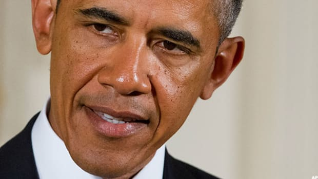 Obama May Grant Paid Sick Days to Federal Contractors