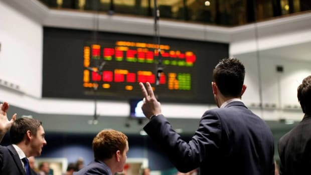European Stocks Rise on Earnings, M&A Momentum