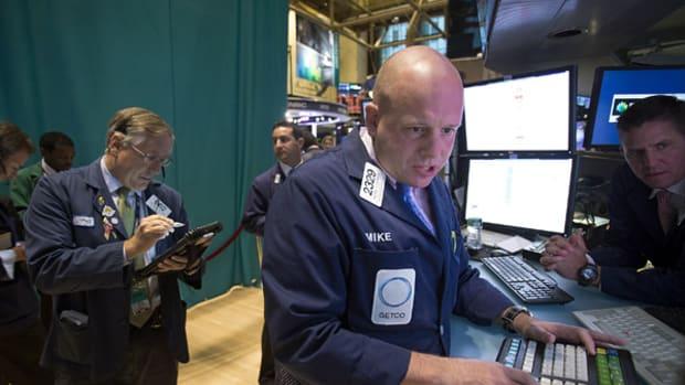 Stocks Finish Mixed on Tech Pullback