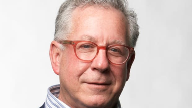 Doug Kass To Throw a Few 'Curveballs' At Warren Buffett