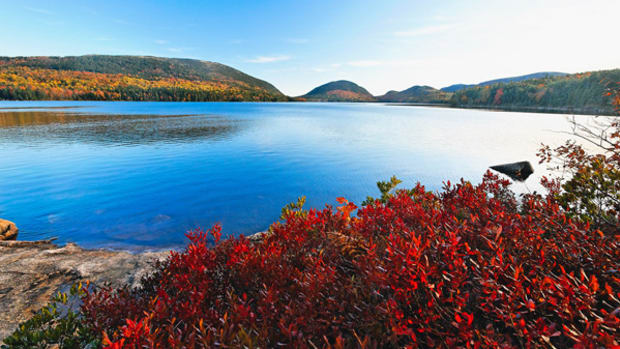Shutdown Is Bad News for Leaf Peepers