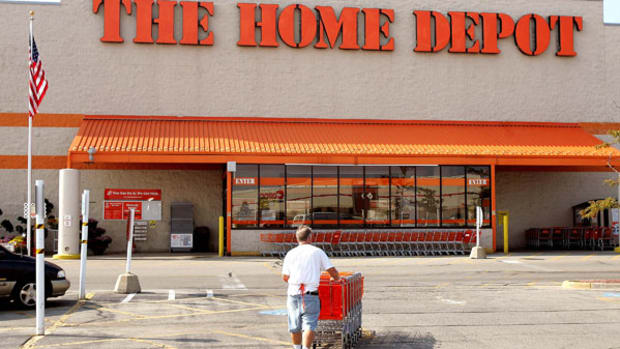 Trading Home Improvement Giants Home Depot, Lowe's Before Earnings