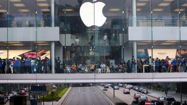 Apple's 7:1 Stock Split: Take a Bite Before June 2