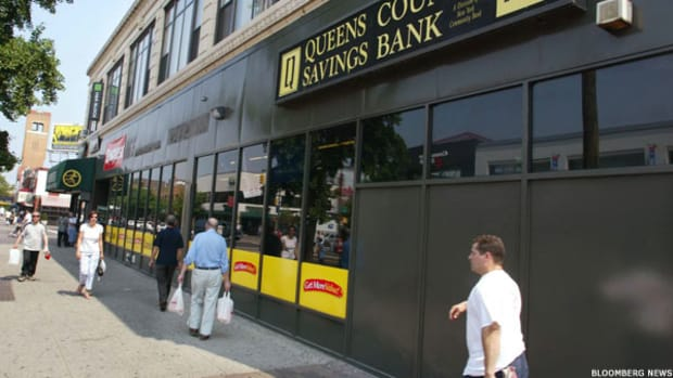N.Y. Community Bancorp is a Feast or Famine