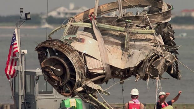 Why the TWA Flight 800 Conspiracy Theorists Are Wrong