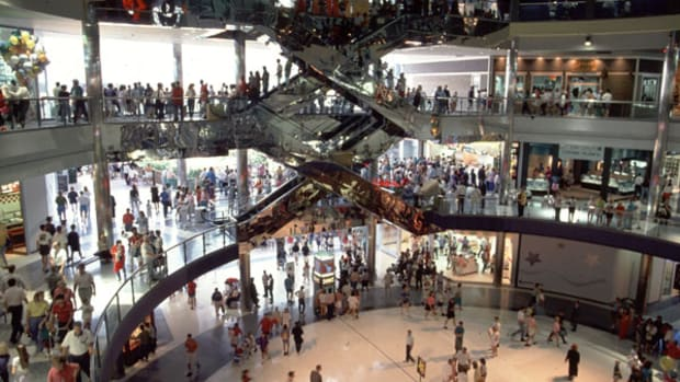 Consumer Confidence Appears to Improve in August, Surprising Economists